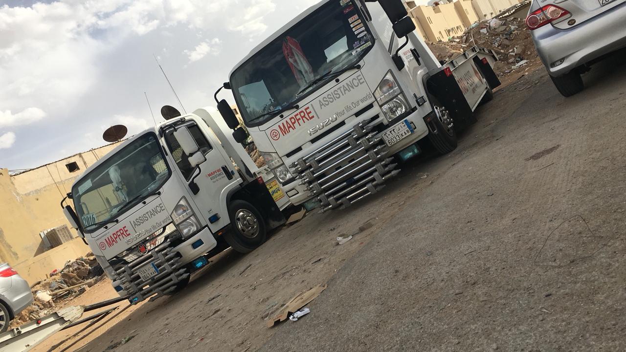سطحة شمال و شرق الرياض لنقل السيارات المعطله